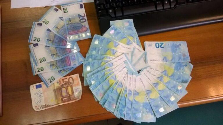 Shopping in tutta la regione con banconote false, arrestata
