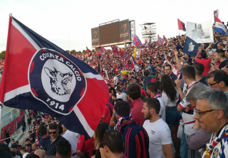 Calcio: il Cosenza è in serie B