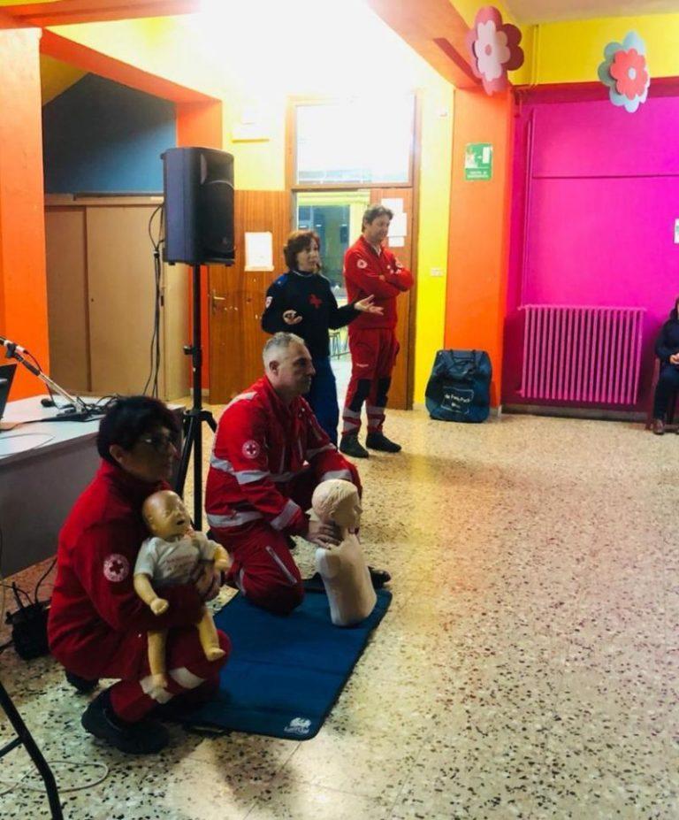 La Croce rossa nelle scuole: lezione alla De Matera