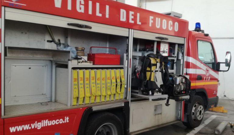 Donati sette defibrillatori ai Vigili del fuoco