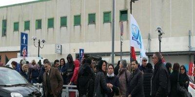 Catanzaro: vertenza lavoratori AZ, al loro fianco alcuni consiglieri