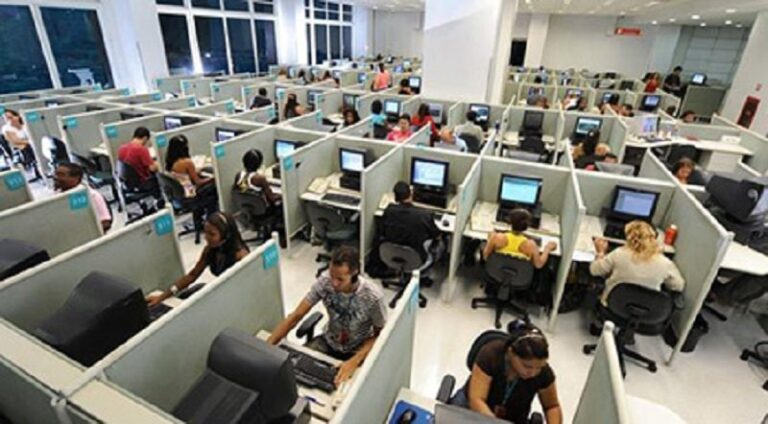 Licenziamenti call center Abramo, interviene l'UGL