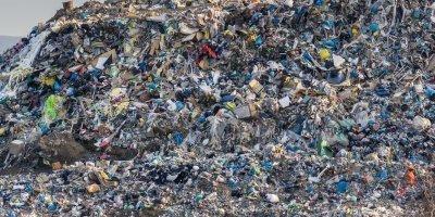 rifiuti, intervengono i sindaci di centrache e di chiaravalle