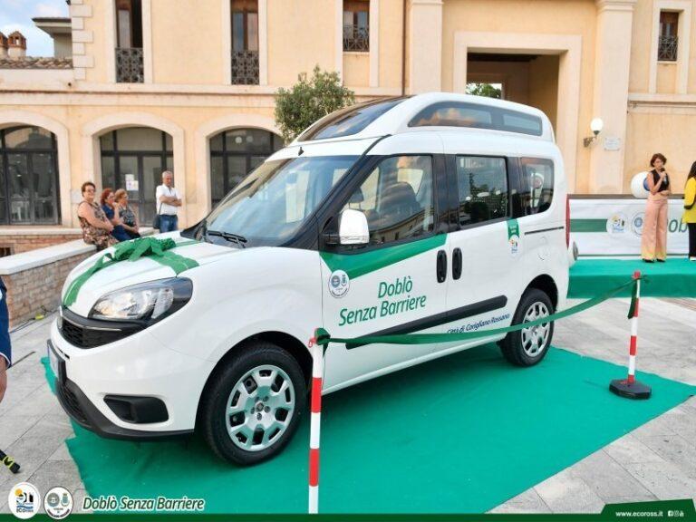 Imprenditore di Corigliano-Rossano dona alla città auto per disabili