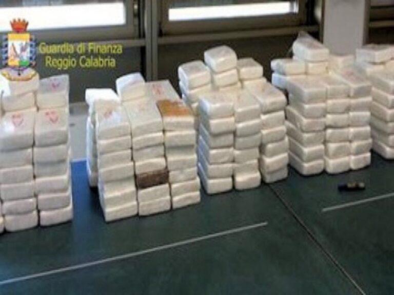 Il porto di Gioia Tauro si conferma il crocevia della droga, sequestrati 270 kg di cocaina