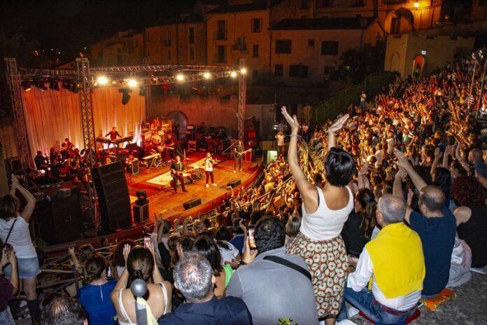 Festival Euromediterraneo di Altomonte, chiusura con il concerto dei Tiromancino