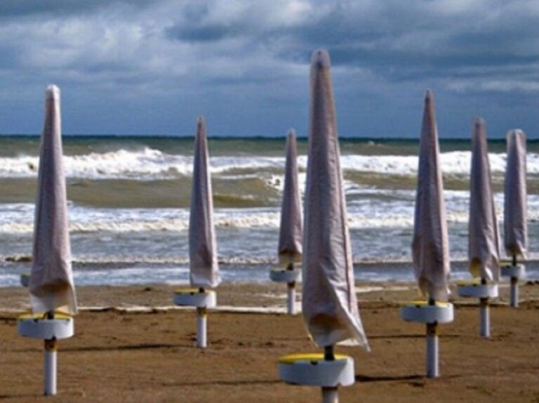 Prove tecniche di autunno, allerta gialla anche in Calabria
