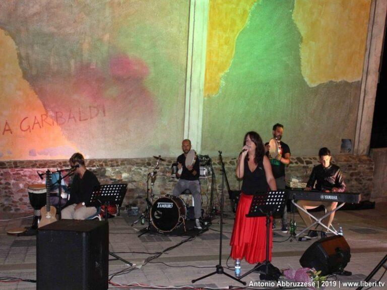 Soveria M.: Angela Bianco ed i Castrum alla serata conclusiva della sagra del tartufo