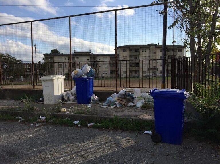 Disagi in tutta la Calabria per mancata raccolta dei rifiuti