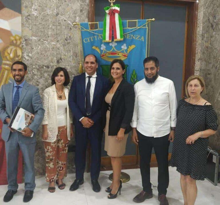 Il console generale del Regno del Marocco ricevuto a palazzo dei Bruzi con il piccolo Rayar