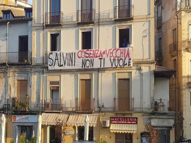 Tutto pronto per la visita di Salvini a Cosenza, ma la città non lo vuole