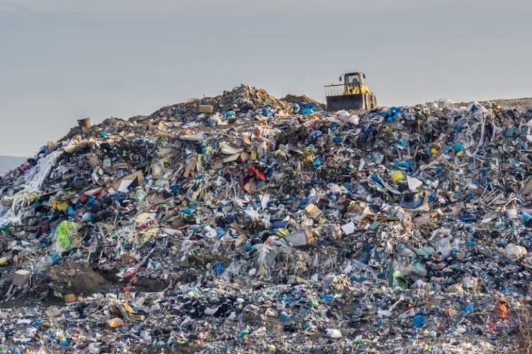 Approda in Commissione ambiente la problematica dell'abbandono dei rifiuti