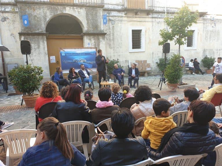 La mensa di Cerisano è 'plastic free':festa con gli scolari in piazza