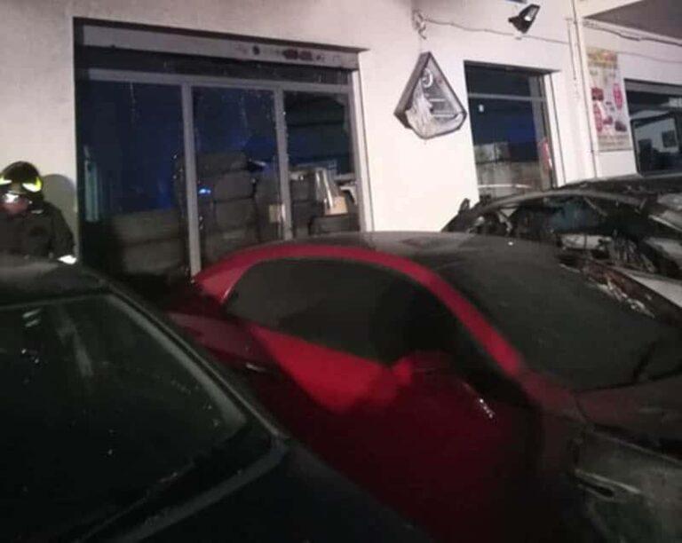 Castrovillari, dieci auto distrutte da un incendio, non esclusa pista dolosa
