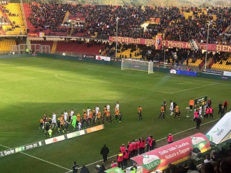 Serie B: Crotone ko, il Benevento va in fuga