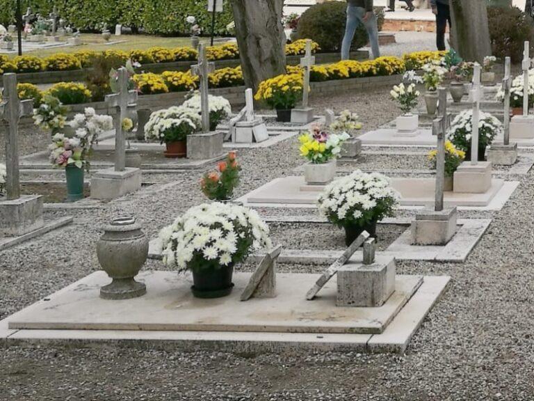 Commemorazione dei defunti, le usanze legate a questo giorno