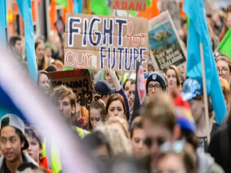 Calabria: domani 4° sciopero globale per il clima. Difficoltà nei trasporti