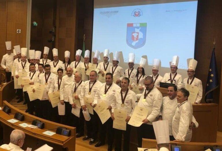 27 cuochi calabresi ricevono a Montecitorio i Collari Collegium Cocorum