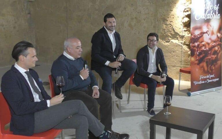 Taste of Calabria, conversando tra le eccellenze calabresi: successo per la prima edizione al Castello Svevo
