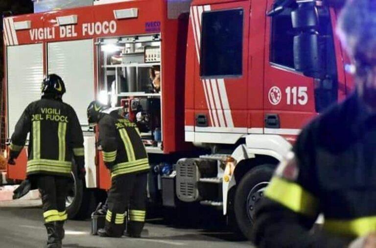 Cosenza: I Vigili del Fuoco scendono in piazza, sit-in previsto in Piazza XI Settembre