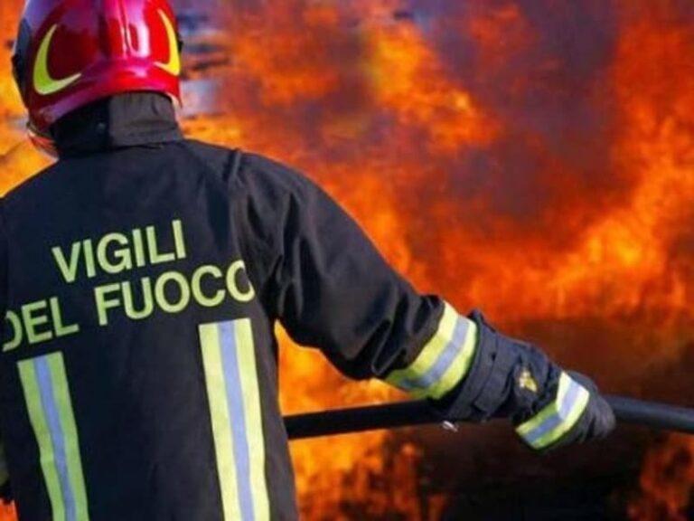 Avvolta dalle fiamme nella sua abitazione, muore 88enne