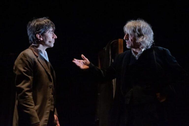 """Catanzaro, il mito di """"Dracula"""" torna in teatro con Lo Cascio e Rubini"""