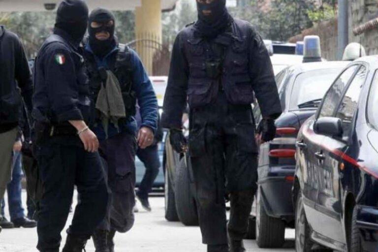 Calabria, maxi blitz dei carabinieri contro lo spaccio di droga