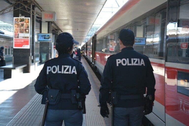 """Calabria, operazione """"Stazioni Sicure"""", controlli straordinari a viaggiatori e bagagli"""