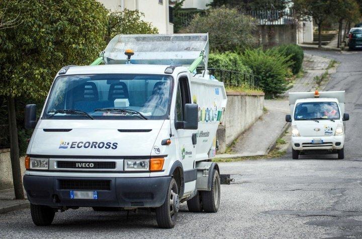 Camion della spazzatura rubato a San Demetrio Corone