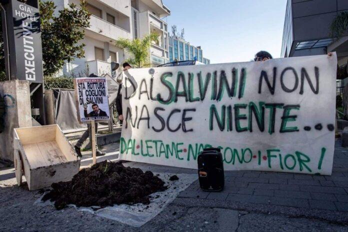 salvini-rende-elezioni-protesta