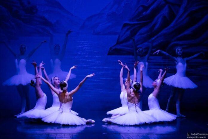 lago dei cigni-sanpietroburgo-spettacolo-teatro-calabria