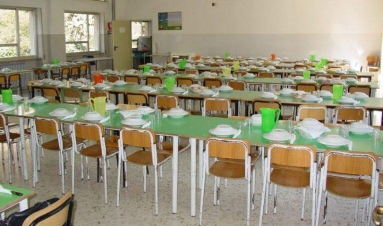 Cosenza, oggi a mensa pasti caldi per i bambini