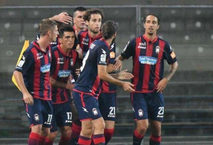 Calcio serie B: bene il Crotone che mette ko la Cremonese