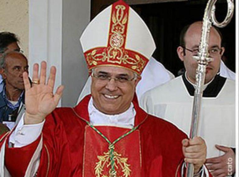Domenica 29 Marzo messa anti-Covid-19 dell'Arcivescovo Bertolone in diretta facebook