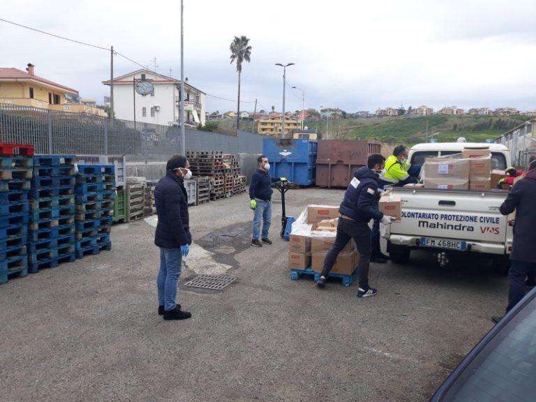 Rete solidale a Catanzaro, consegna di alimenti alle famiglie in difficoltà