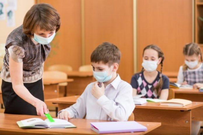 settembre in aula con mascherina