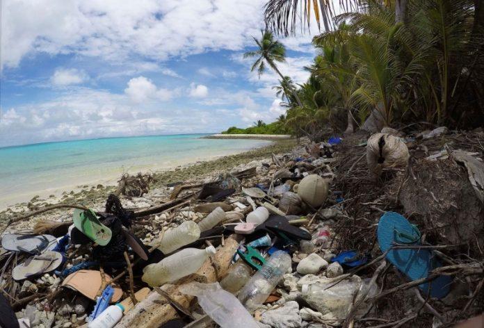 spazzatura sulla costa degli dei