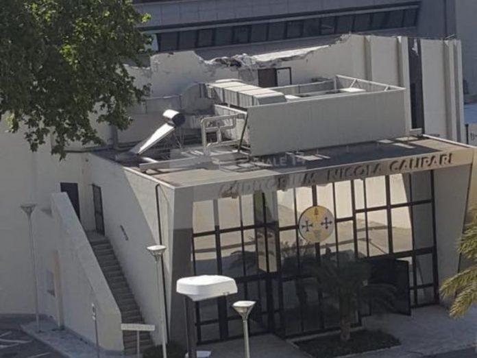 crollo-tetto-auditorium-calipari