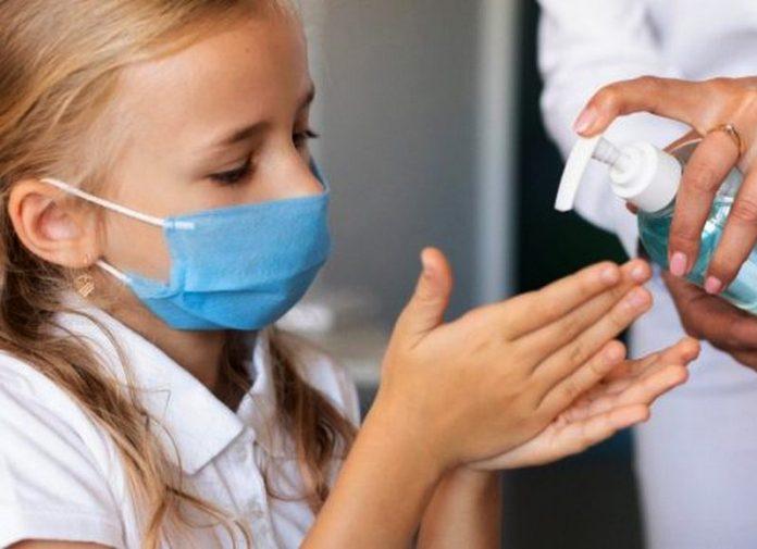 mascherine gel igienizzante scuola