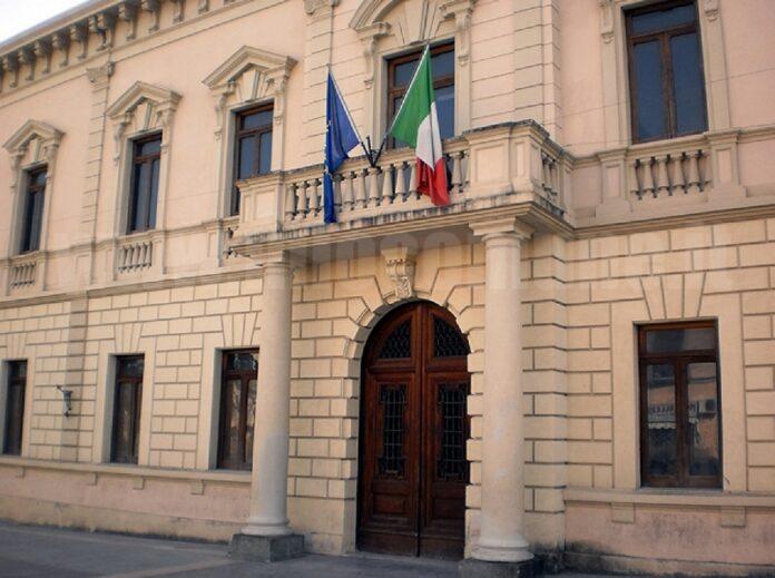 Covid sindaco Castrovillari chiude le strade della movida