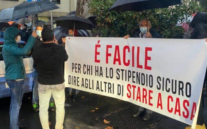 manifestazione contro dpcm anche a Cosenza