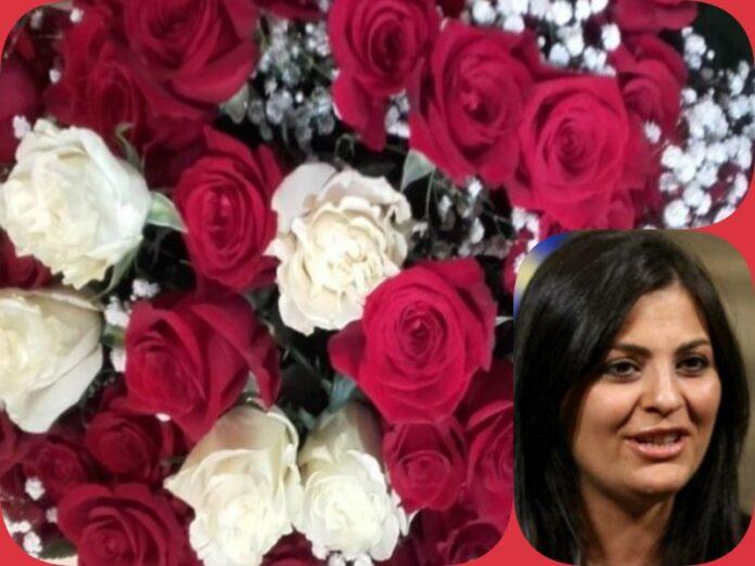 presentazione calabria terra mia - rose rosse e bianche per Jole Santelli