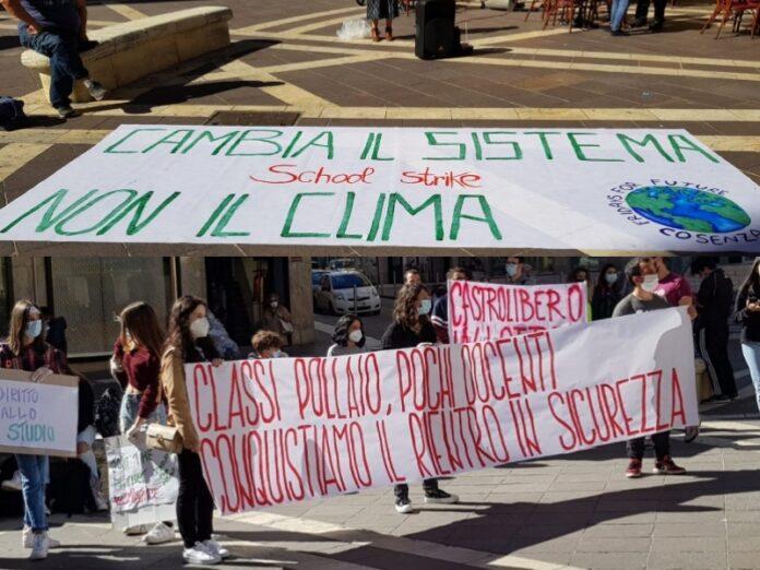 sciopero studenti cosenza