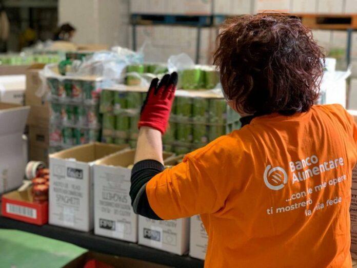 aiuti famiglie bisognose banco alimentare