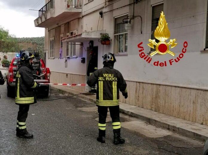 vigili del fuoco incendio abitazione