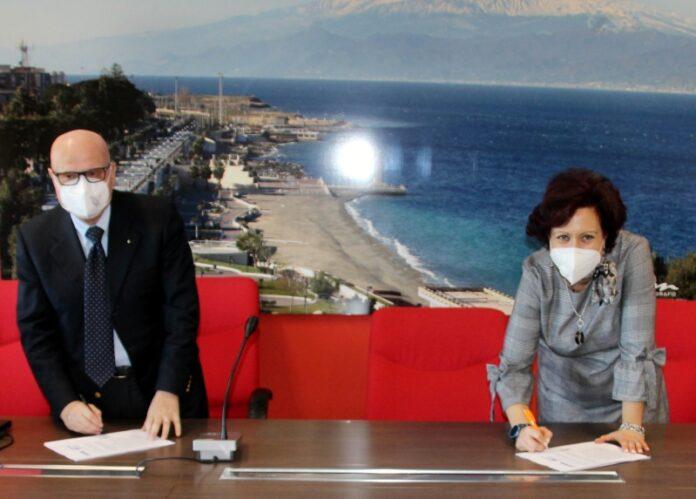 Valerio Berti e Myriam Calipari firmano convenzione Avis comunale OdV RC Farmac'è