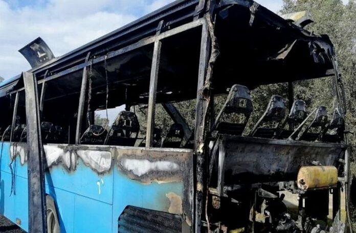 incendio bus ferrovie della calabria