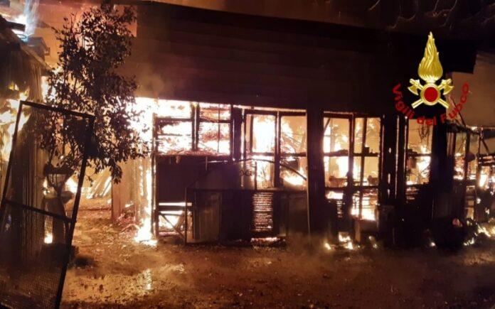 incendio deposito carpenteria