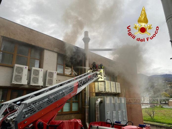 incendio deposito cinese Paola