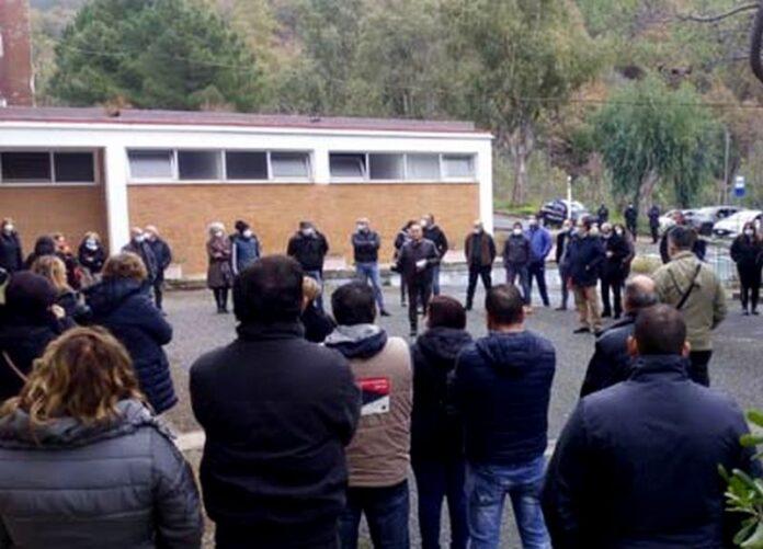 protesta lavoratori terme luigiane